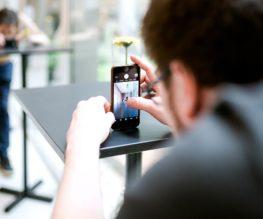 Im Smartphone Videoworkshop lernen die Teilnehmer wie sie selber filmen lernen und im Fotoworkshop wie sie die besten Fotos für Social Media machen.