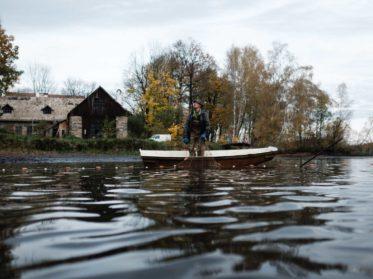Im Haslauer Teich bei Heidenreichstein im nördlichen Waldviertel werden jeden Herbst heimischen Speisefischen in Bioqualität abgefischt. Fotoreportage über Fischen, Reportage Fotograf Wolfgang Lehner based in Linz Austria, visuelle Social Media Content