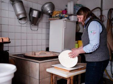 Fotoreportage für Abhofladen, visuelle Präsentation bäuerlicher Abhofladen für Social Media und Mobile Apps. Augut Zell am See, Fotografie Wolfgang Lehner
